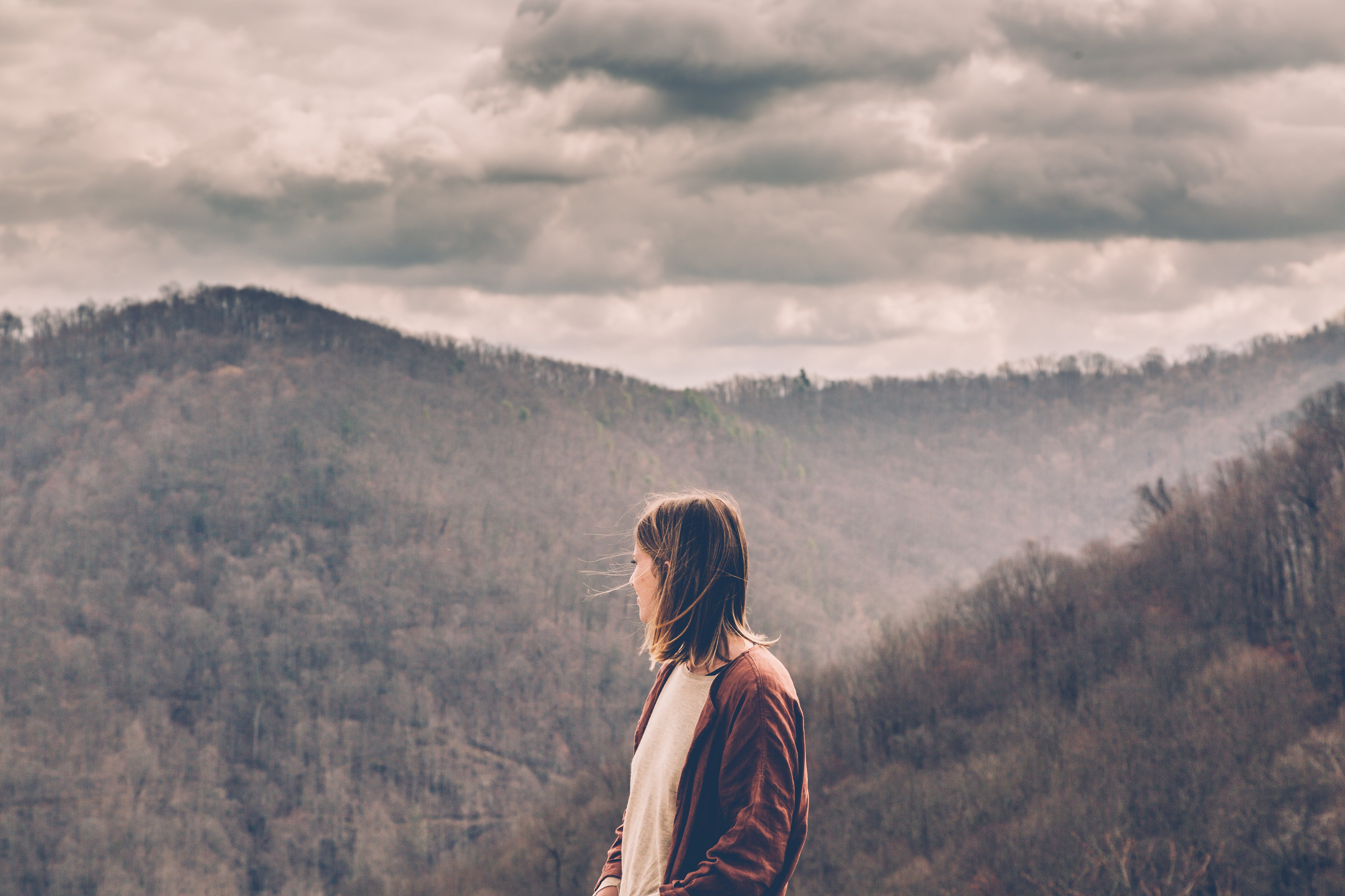 woman-wanderer_4460x4460